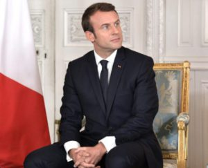 https://commons.wikimedia.org/wiki/File:Vladimir_Putin_and_Emmanuel_Macron_(2017-05-29)_06.jpg